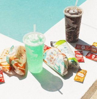 The best way to summer. 🌞 #LiveMas #TacoBellCy